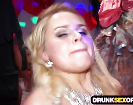 Böse Orgien auf der Gruppensex party