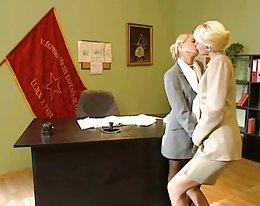 Büro blonde Lesben