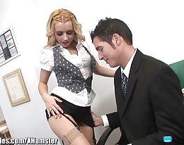 Lexi Belle ist eine enge nuttige Sekretärin