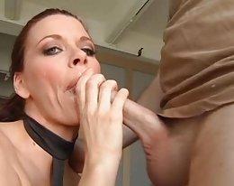 Bobbi Bliss - unglaubliche deepthroat