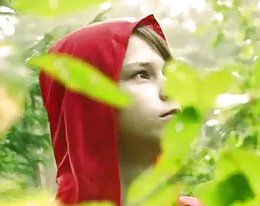 Lettische ruft little red Riding Hood von der Wolf gefressen