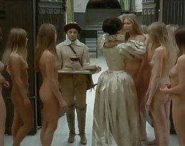 viele nackte Mädchen